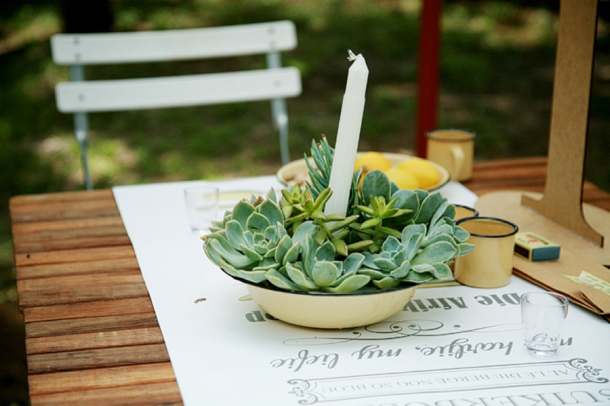 Enamelware Wedding Decor | Image: As Sweet As Images