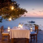 Honeymoon Inspiration: Top 10 Super Romantic Tables-for-Two