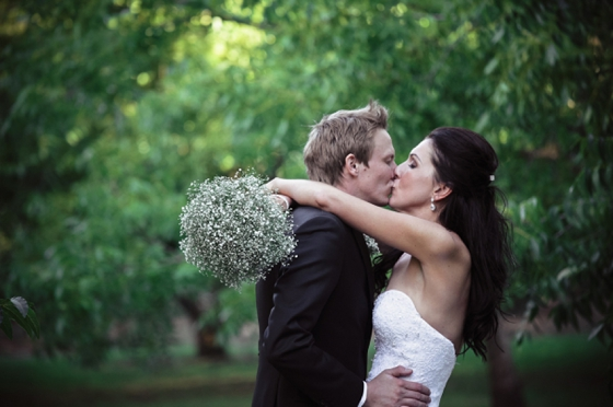 A&G001-elegant-outdoor-babys-breath-wedding-just-judy – SouthBound Bride