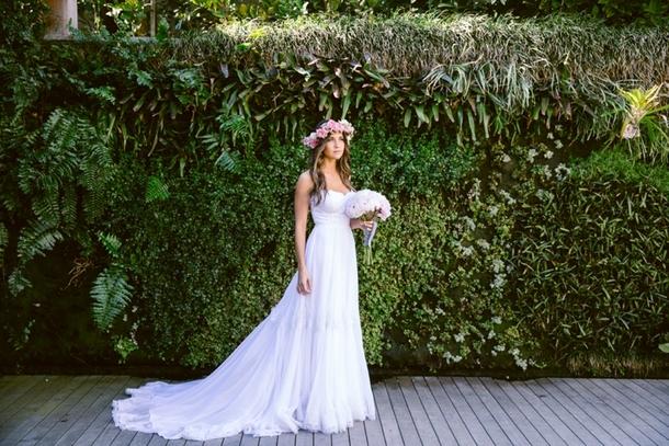 Boho Bride in Julia Ferrandi Dress | Credit: Lad & Lass