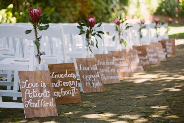 1 Corinthians 13 Wedding Aisle Signs | Credit: Lad & Lass