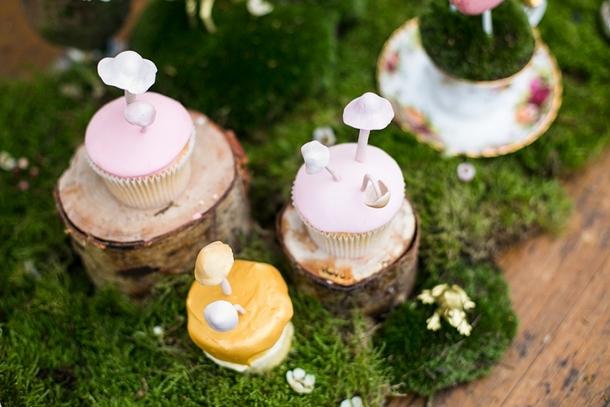 Whimsical Woodland Wedding Cupcake | Credit: Anneli Marinovich (4)