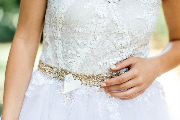 Sparkle Sash Bridal Style | Credit: Leandri Kers