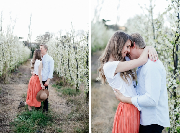 023-10-tips-what-to-wear-engagement-shoot-migneon-marais