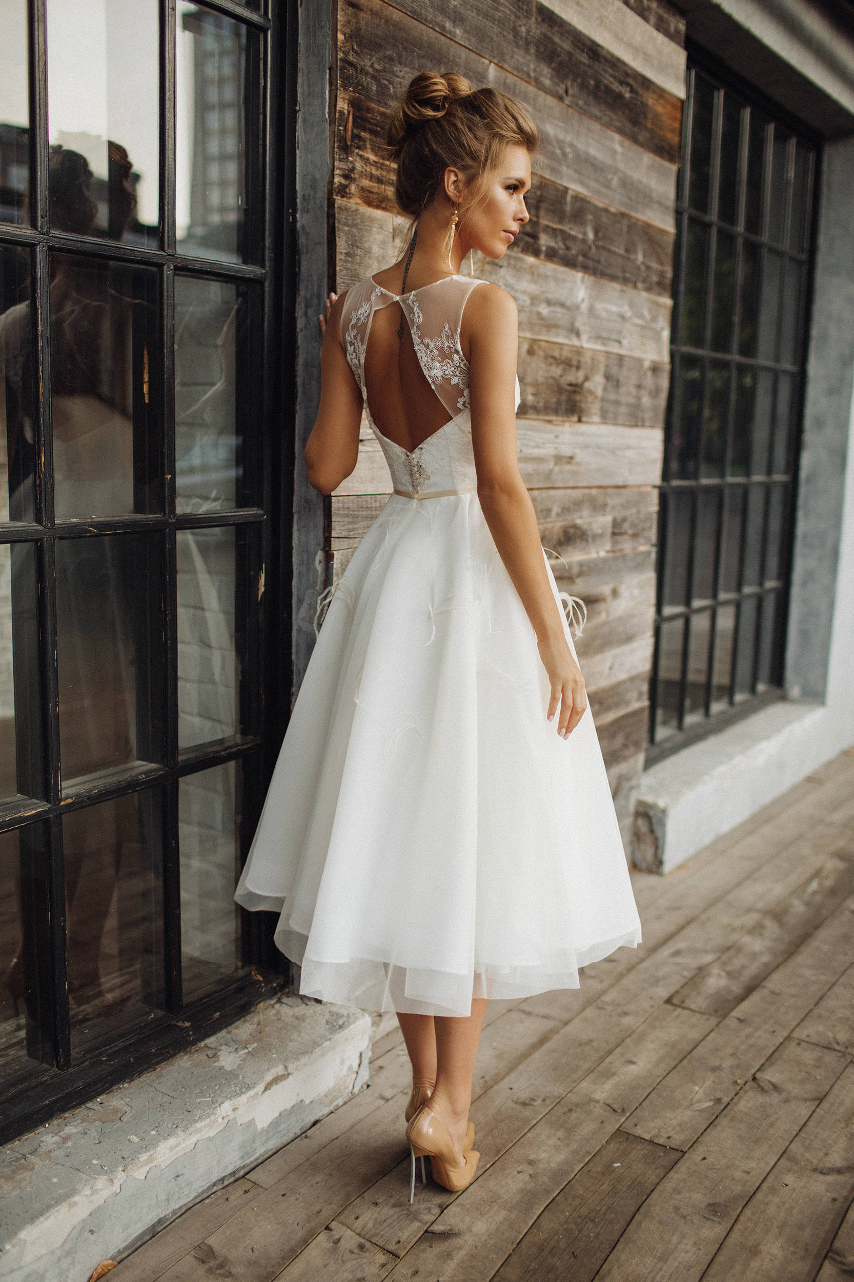 Short Lace Back Wedding Dresses