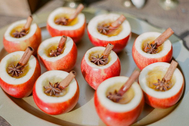 Apple Cider Station | Fall Wedding Ideas | SouthBound Bride