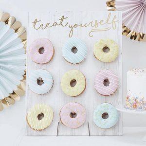 dessert table accessories