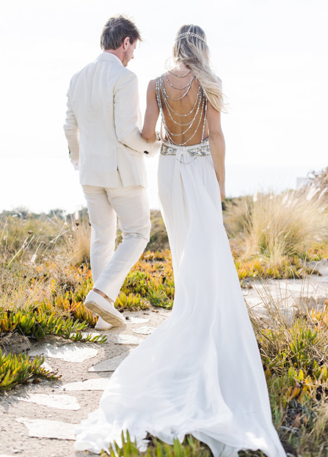 20 Dreamy Beach Wedding Dresses