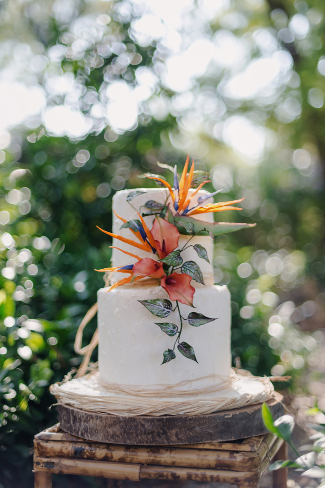 Gauguin inspired tropical wedding inspiration (24)