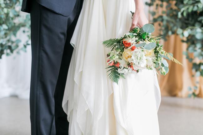 Peach & coral bouquet | SouthBound Bride | Credit: Alexis June Weddings