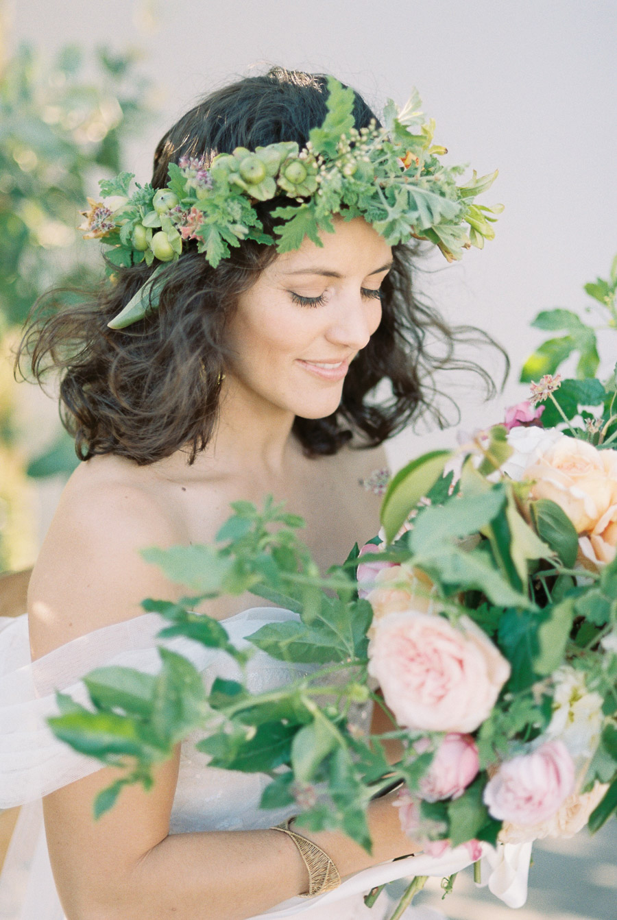 20 floral crowns for boho brides southbound bride natural light photographyanli wahl on southbound bride izmirmasajfo