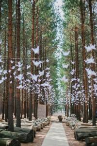 Forest Wedding Ceremony with Origami Cranes | Credit: Carolien & Ben (8)