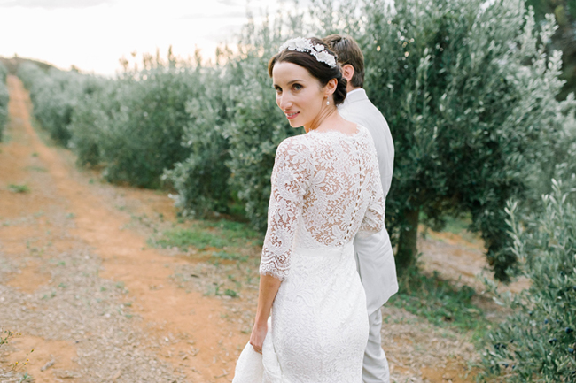 019-S&S Bright & Festive WInelands Wedding by Claire Thomson