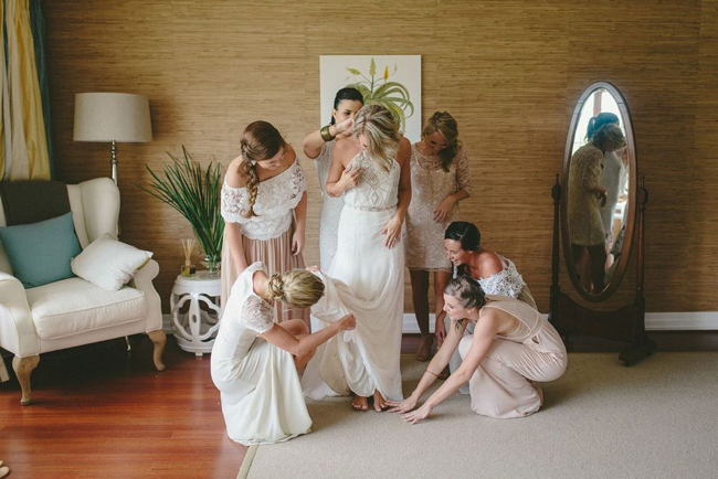 Bride & Bridesmaids Getting Ready