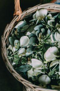 Leaf and Rose Petal Confetti | Credit: Michelle du Toit