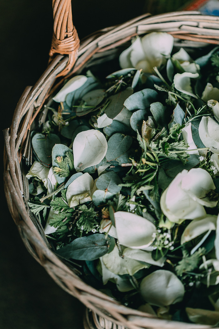 Leaf and Rose Petal Confetti | Credit: Michelle du Toit