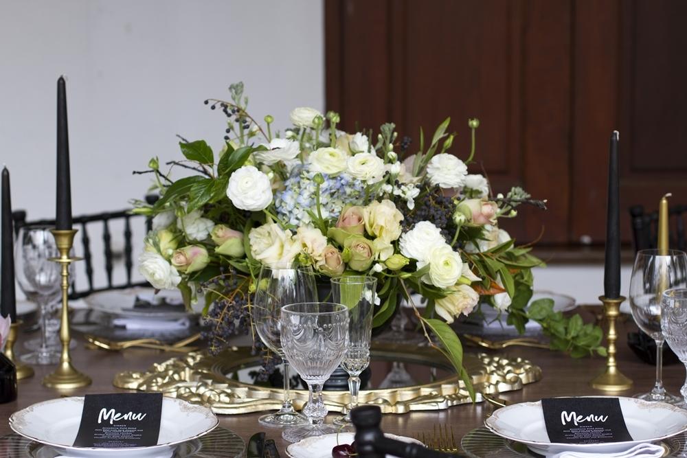 Elegant Halloween Wedding Centerpiece | Credit: Mooi Photography