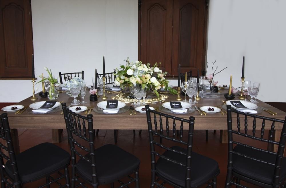 Halloween Wedding Table Decor | Credit: Mooi Photography