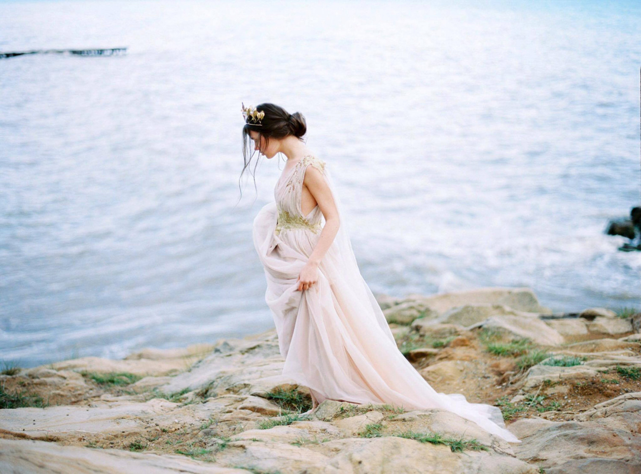 20 ethereal wedding dresses from etsy southbound bride for Etsy dresses for weddings