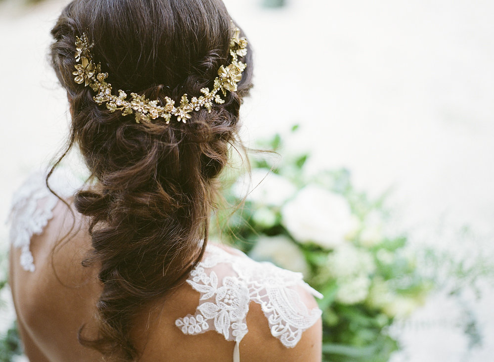 Enchanted Atelier Gold Hairpiece | Credit: Magnolia & Magpie Photography