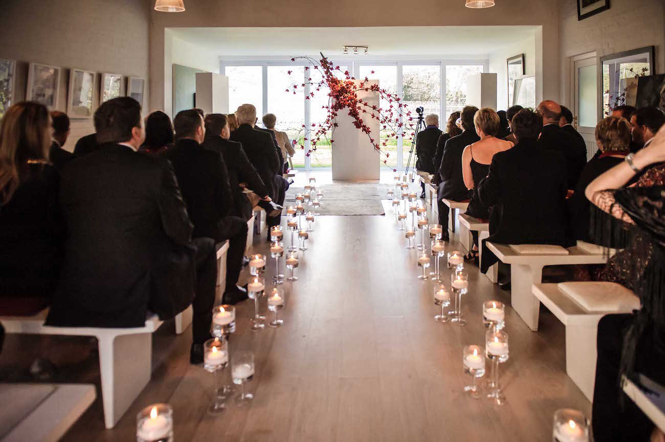 Modern Ceremony Decor   Credit: Vizion Photography