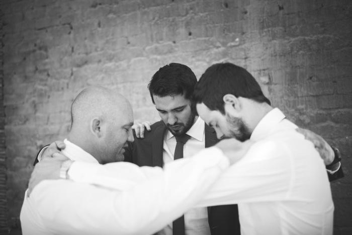 Groomsmen Prayer | Credit: Those Photos