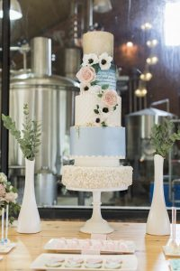 Pantone Serenity & Rose Quartz Wedding Cake | Credit: Jack & Jane Photography