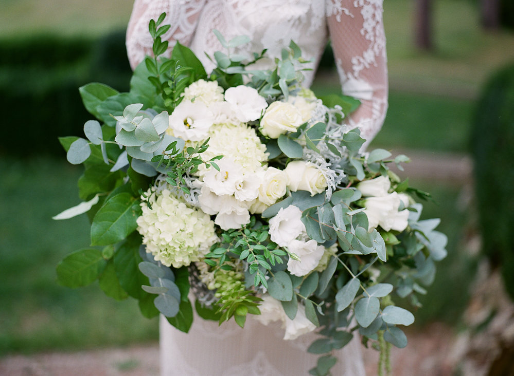 Green and White Organic Bouquet | Credit: Magnolia & Magpie Photography