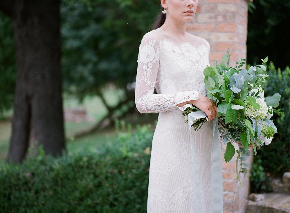 Claire Pettibone Lace Wedding Dress | Credit: Magnolia & Magpie Photography