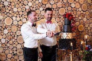 Cake Cutting | Credit: Vizion Photography