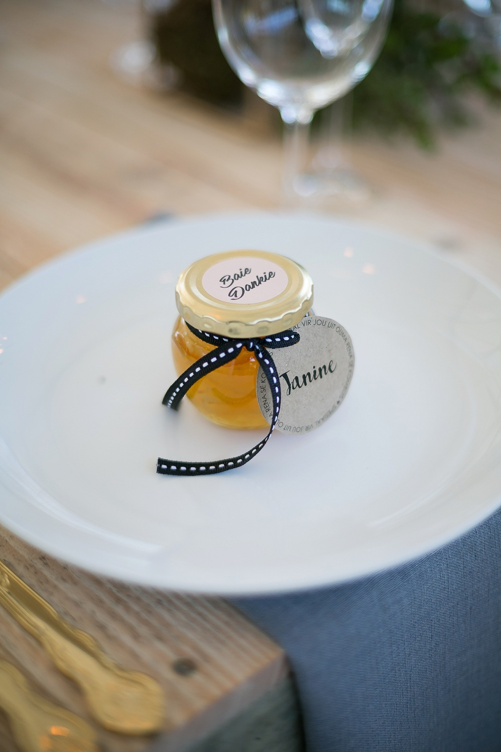 Honey Wedding Favors | Credit: Karina Conradie