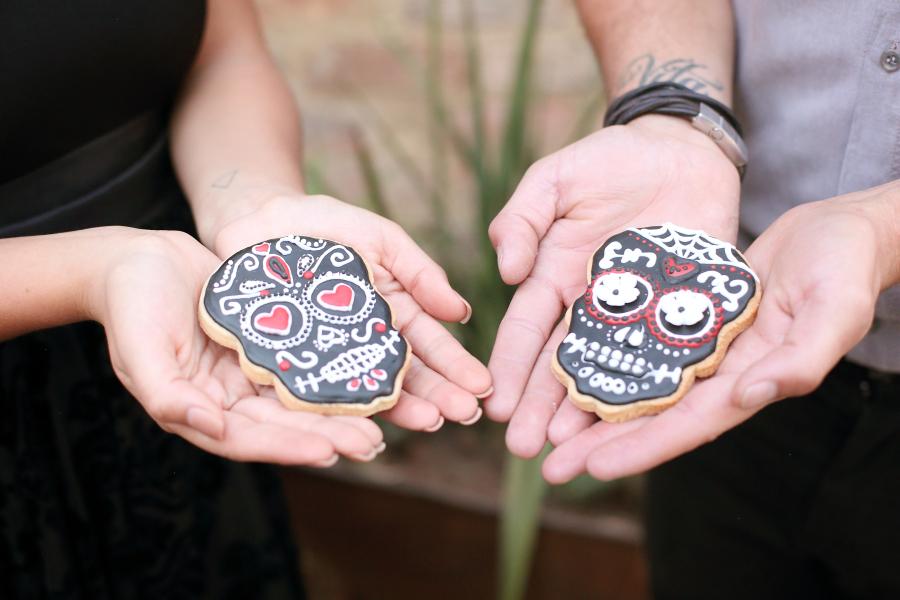 Día De Los Muertos Sugar Skull Cookies | Credit: Hello Love Photography