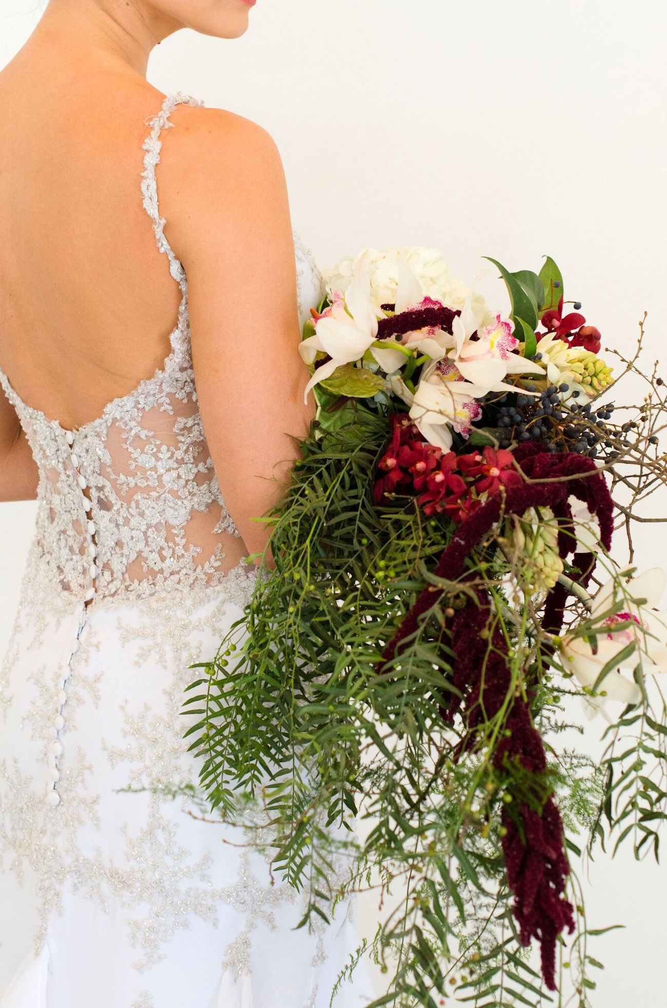 d7f89ea7e9c 001-emerald-copper-burgundy-christmas-wedding-inspiration