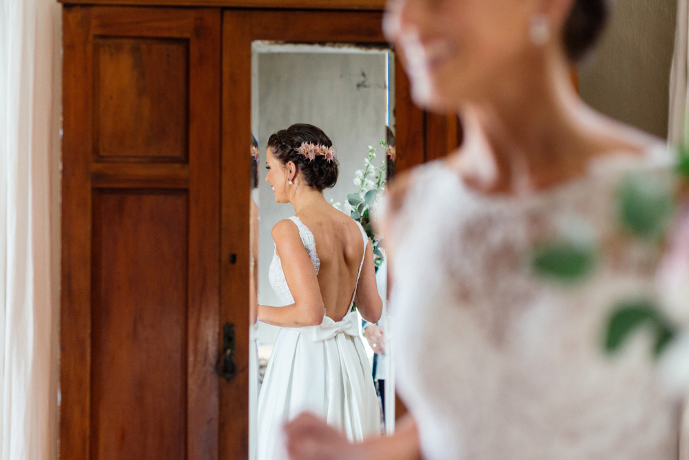 Lace Wedding Dress by Robyn Roberts | Images: Marli Koen