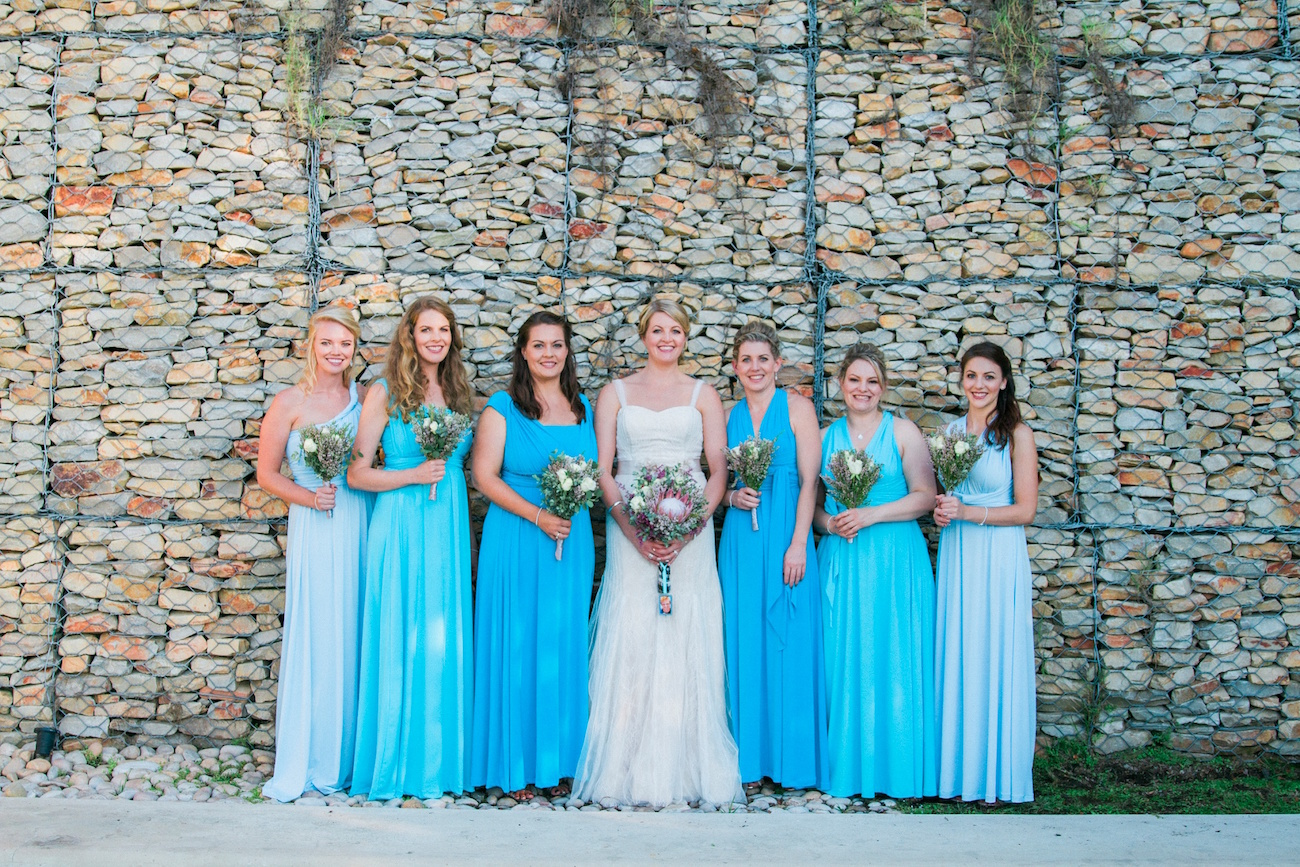 Bridesmaid in Shades Blue | Image: Maxeen Kim