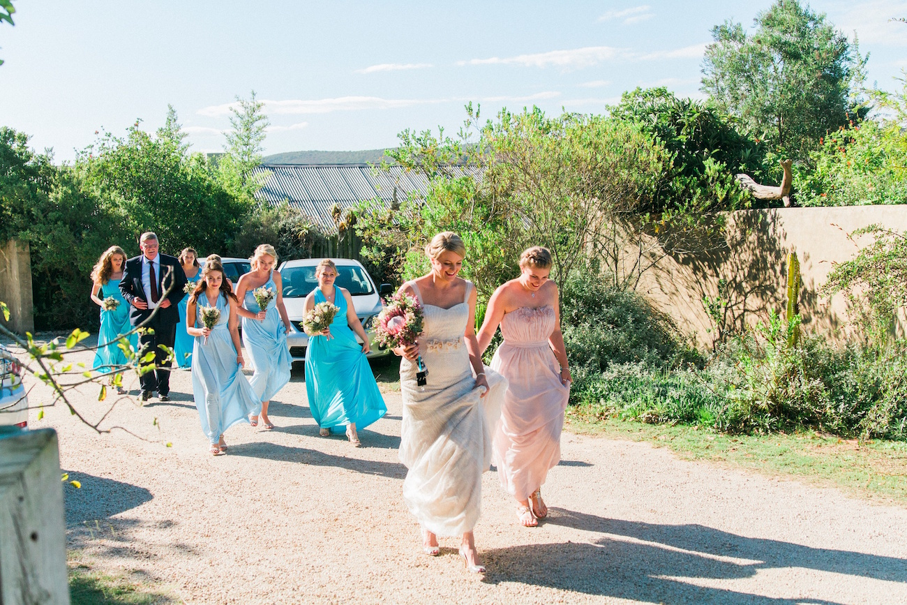 Fynbos Chic Wedding Bridesmaids | Image: Maxeen Kim
