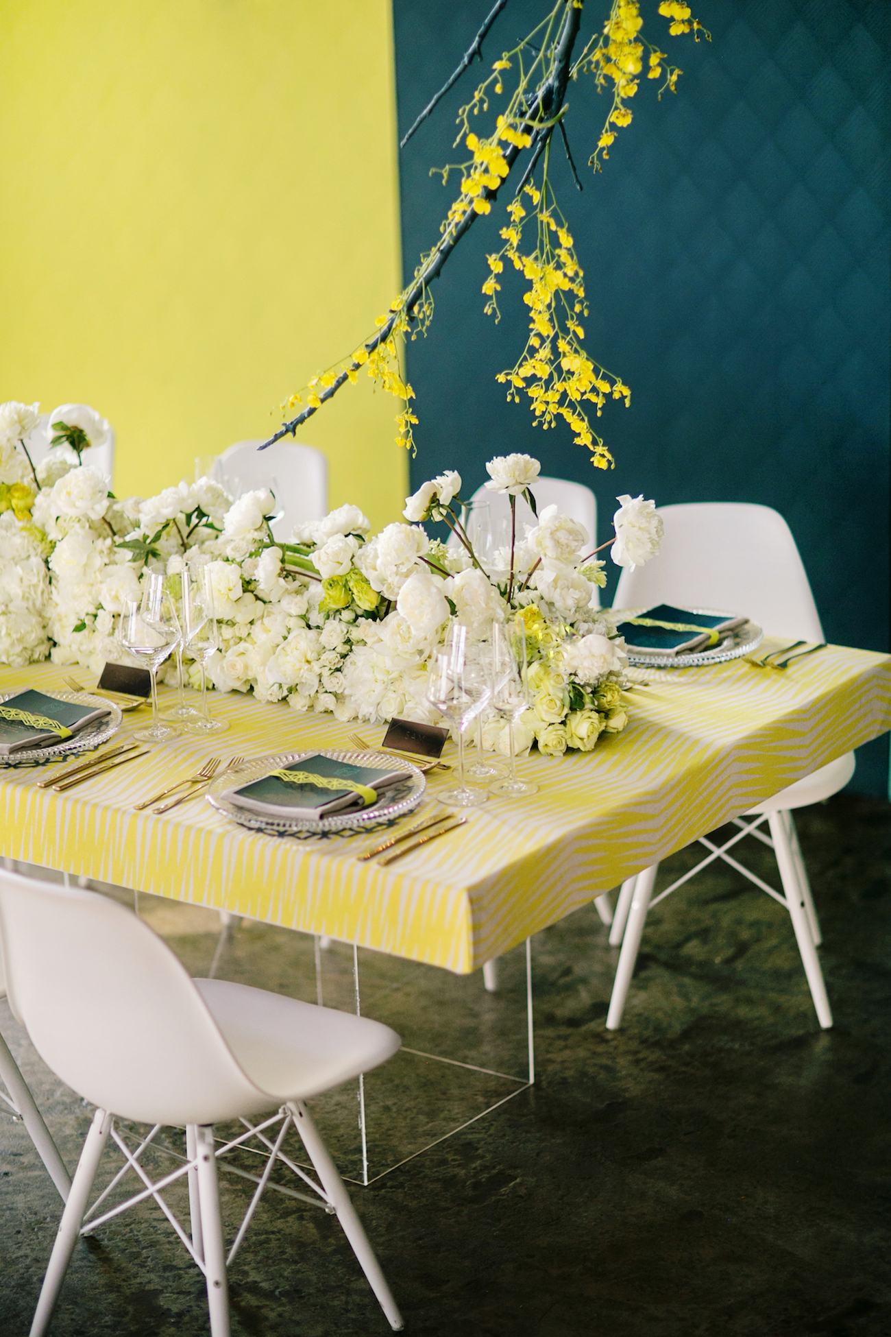 Neon Tablescape | Credit: Wedding Concepts & Tyme Photography