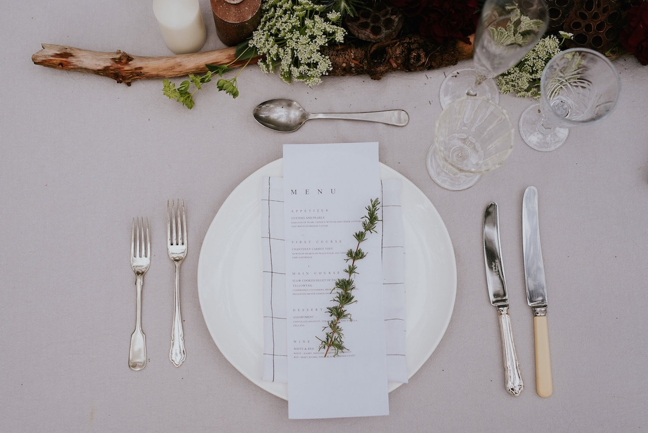 Woodlands Elopement Place Setting | Credit: Lad & Lass Photography
