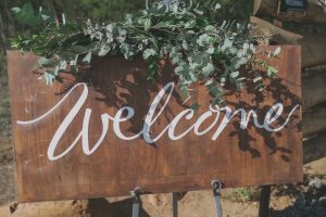 Rustic Calligraphy Welcome Sign | Credit: Vicky Bergallo