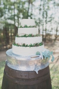 Rustic Wedding Cake | Credit: Vicky Bergallo