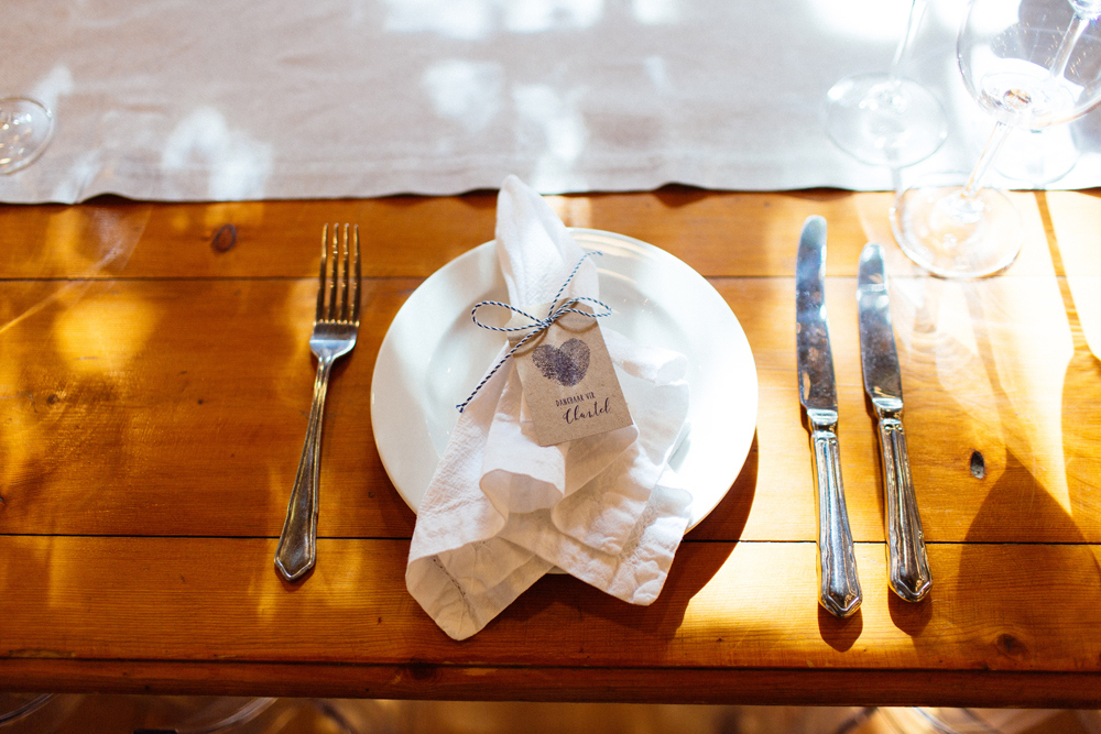 Simple Rustic Place Setting | Images: Marli Koen