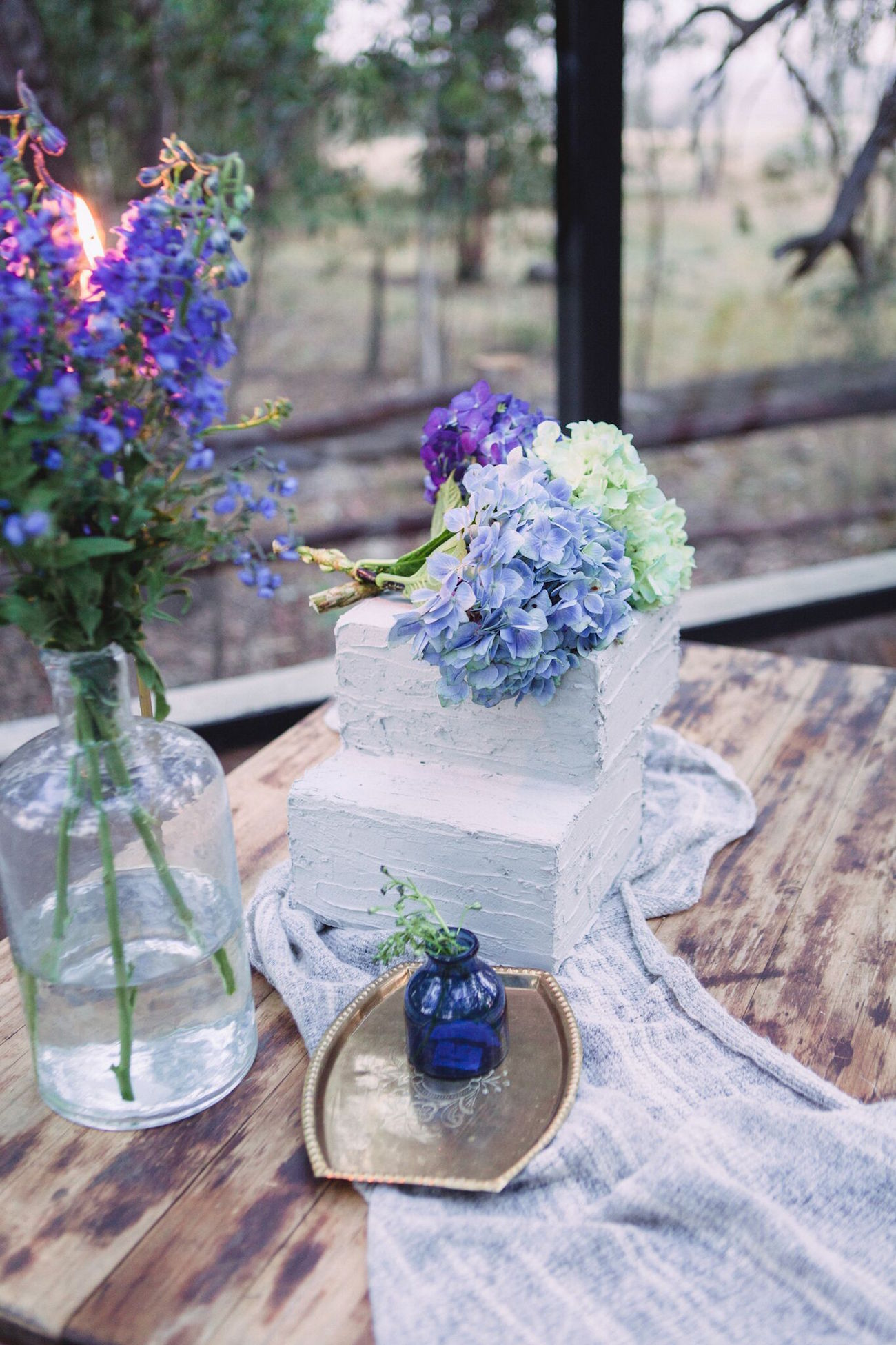 Concrete Texture Square Wedding Cake | Credit: Dust & Dreams Photography