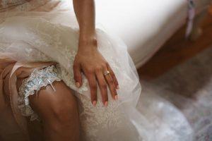 Wedding Garter | Image: Moira West