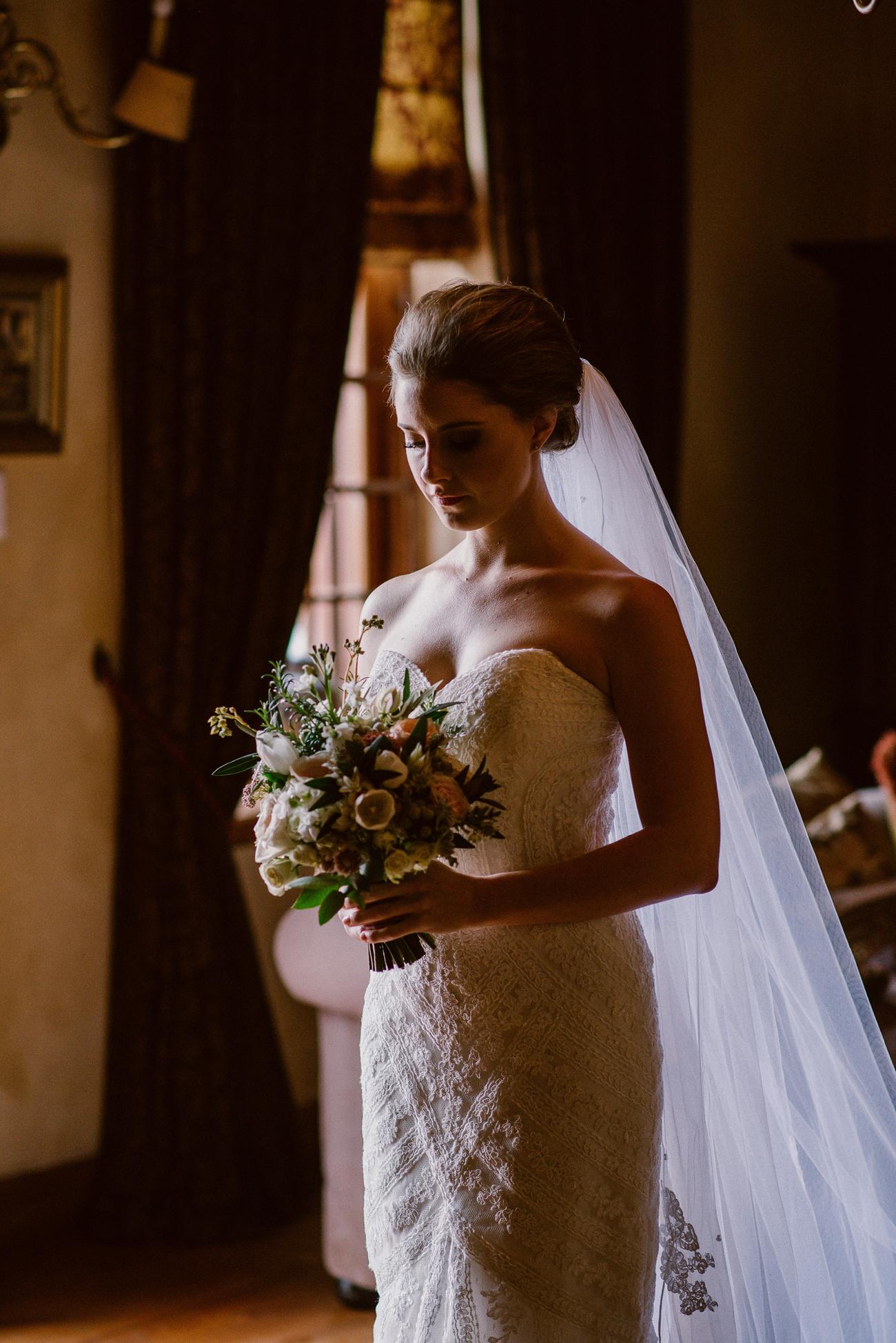 Bride in Heirloom Veil | Image: Lad & Lass Photography
