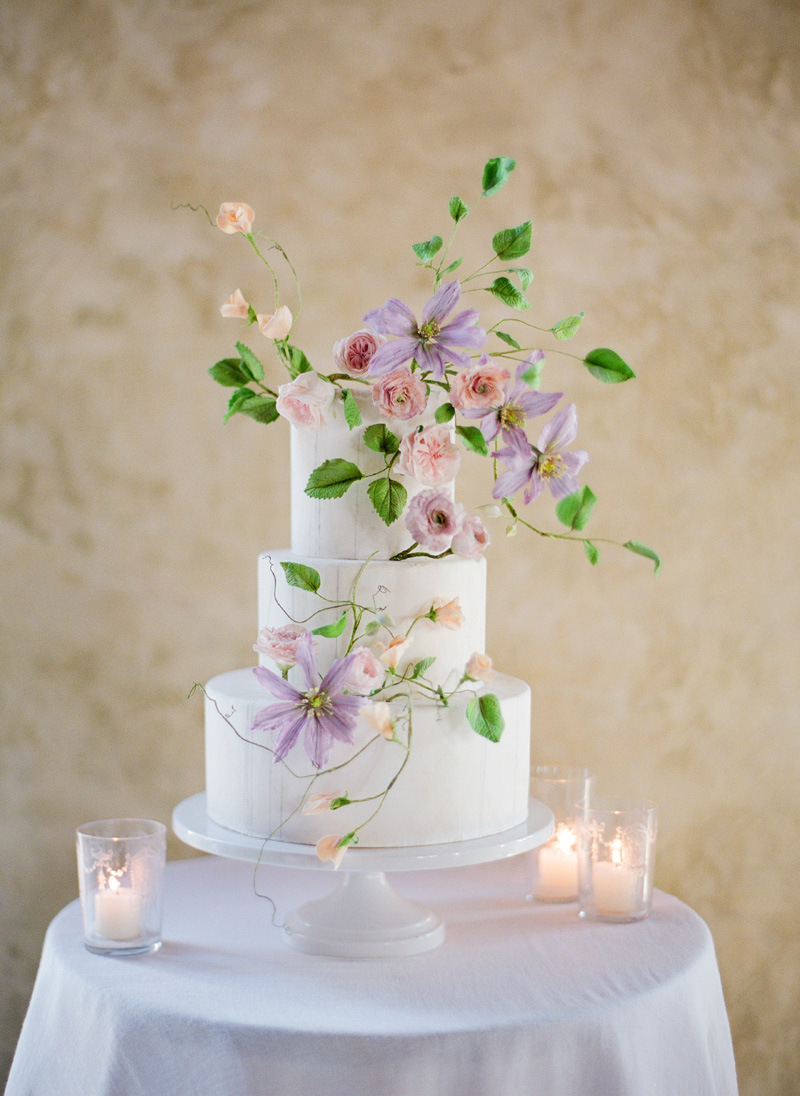 20 Fancy Floral Wedding Cakes | SouthBound Bride