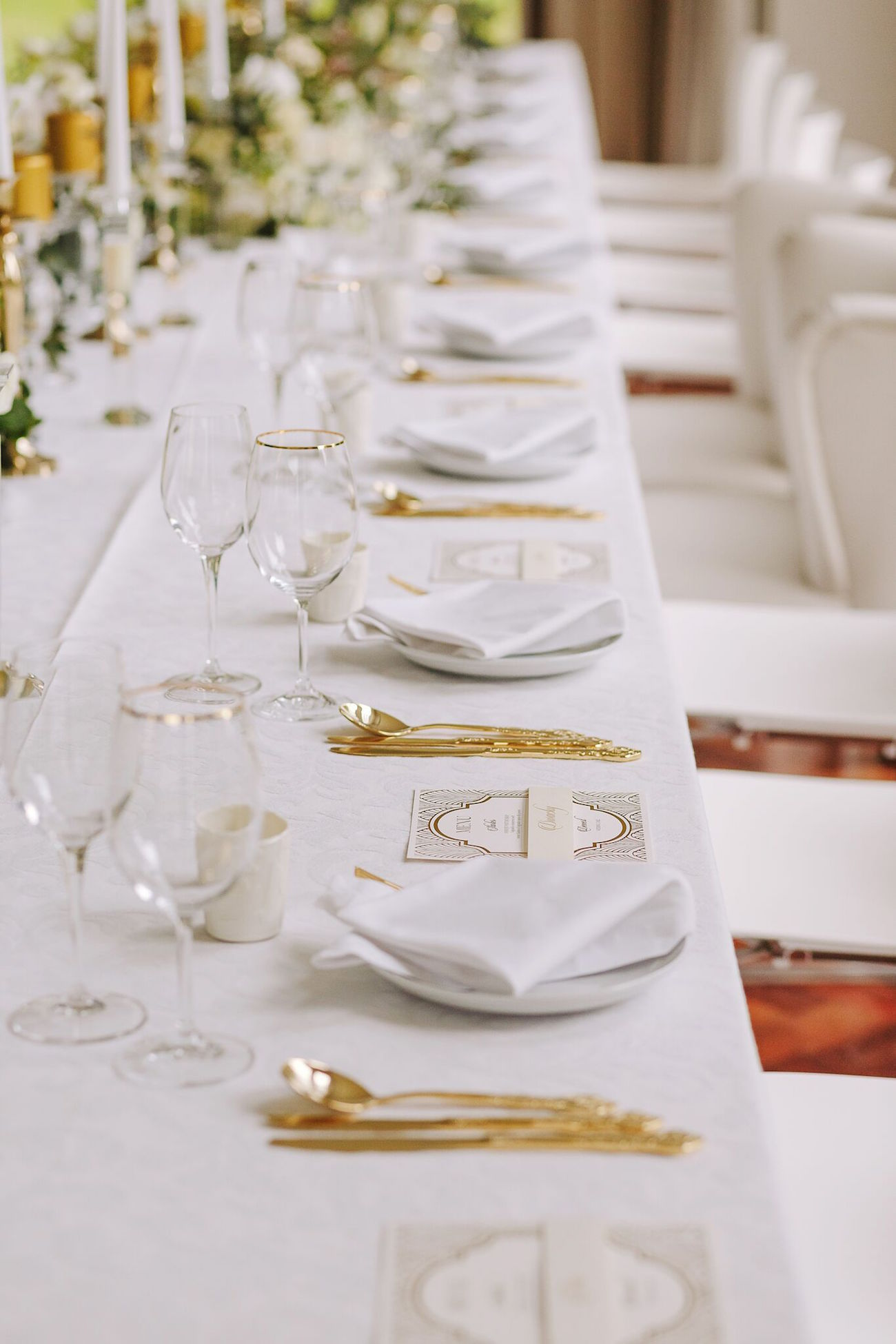 Vintage Glamour Winter Wedding Table Decor | Credit: Jani B & Bright and Beautiful