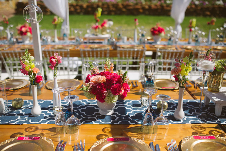 Vibrant Outdoor Wedding Table Decor | Image: Moira West