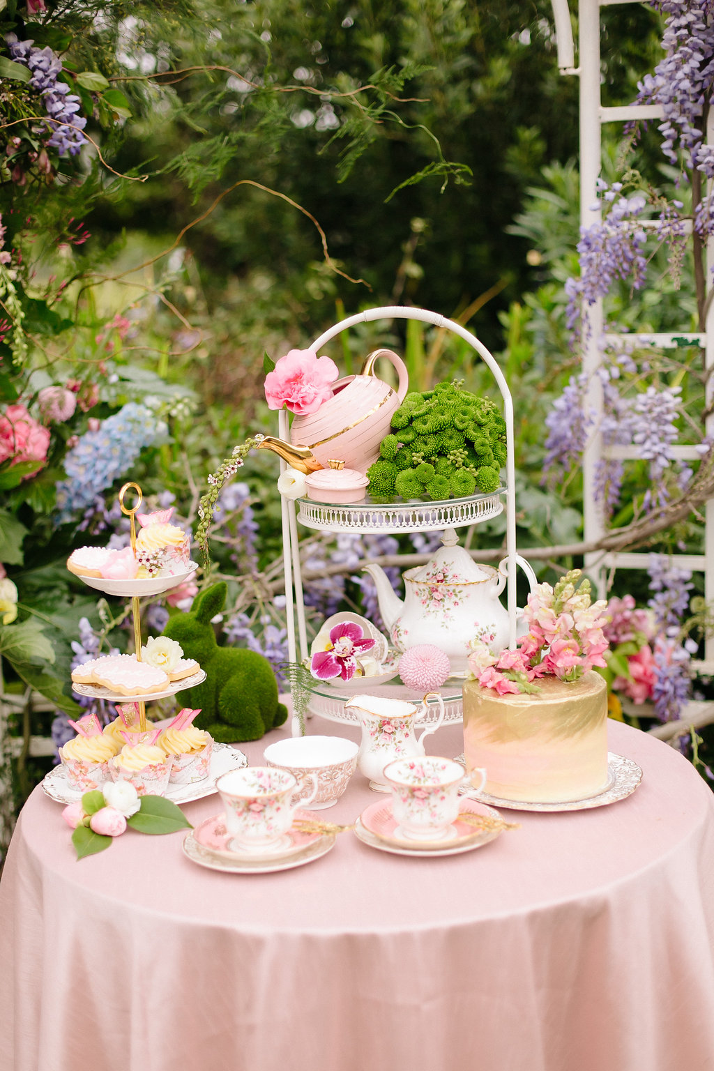 Vintage High Tea Wedding Inspiration | Image: Nelani Van Zyl