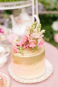 Gold and Blush Wedding Cake | Image: Nelani Van Zyl