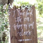 20 Rustic Wood Wedding Signs